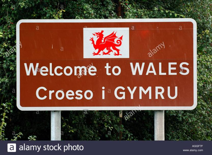 Welcome to Wales sign D002
